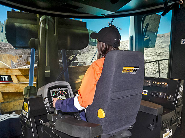 Training Simulator Module for Cat 992K, 994H  Wheel Loaders on PRO3