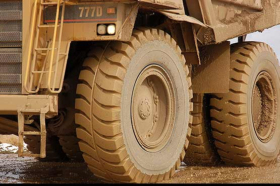 Tire  on Cat 777D